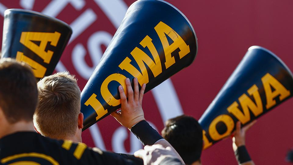 Niagara Falls building inexplicably plays Iowa fight song for six months